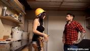 सेक्सी वीडियो देखें Sexy big boobs babe plays with the handymans big tool नवीनतम 2021